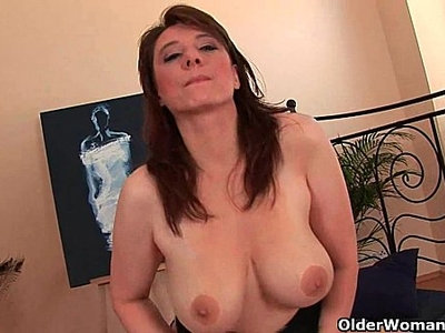 busty  cock  cougar  face fuck  older woman